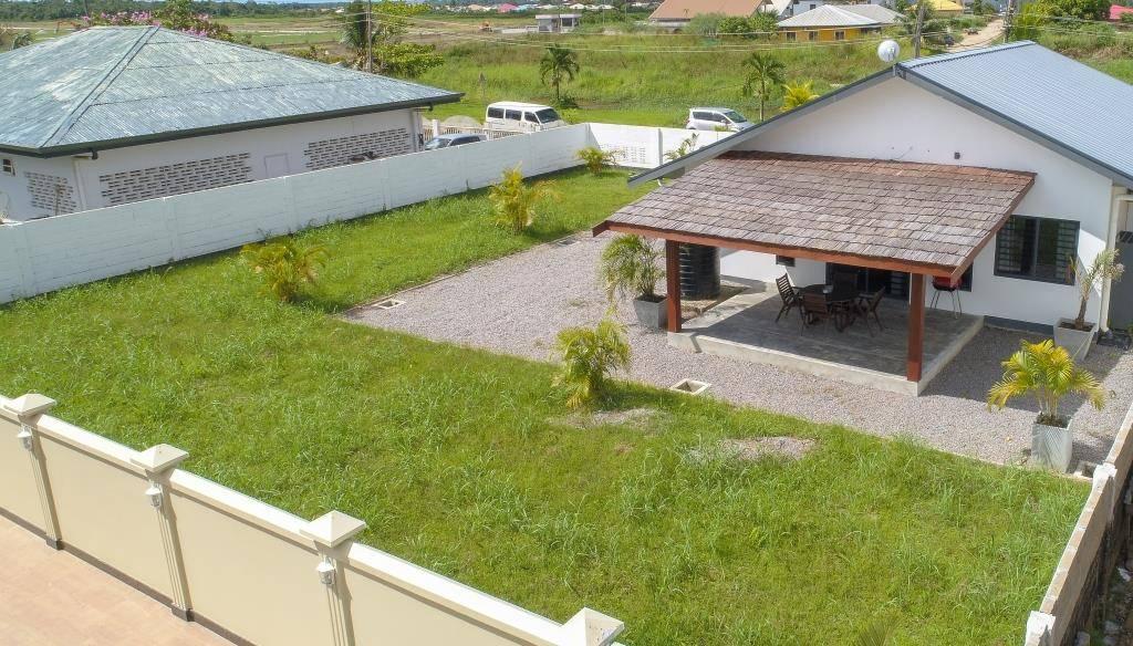 Bazaltstraat Tourtonne Paramaribo Huurwoning V0003 Surgoed Makelaardij NV 11 - Bazaltstraat 143