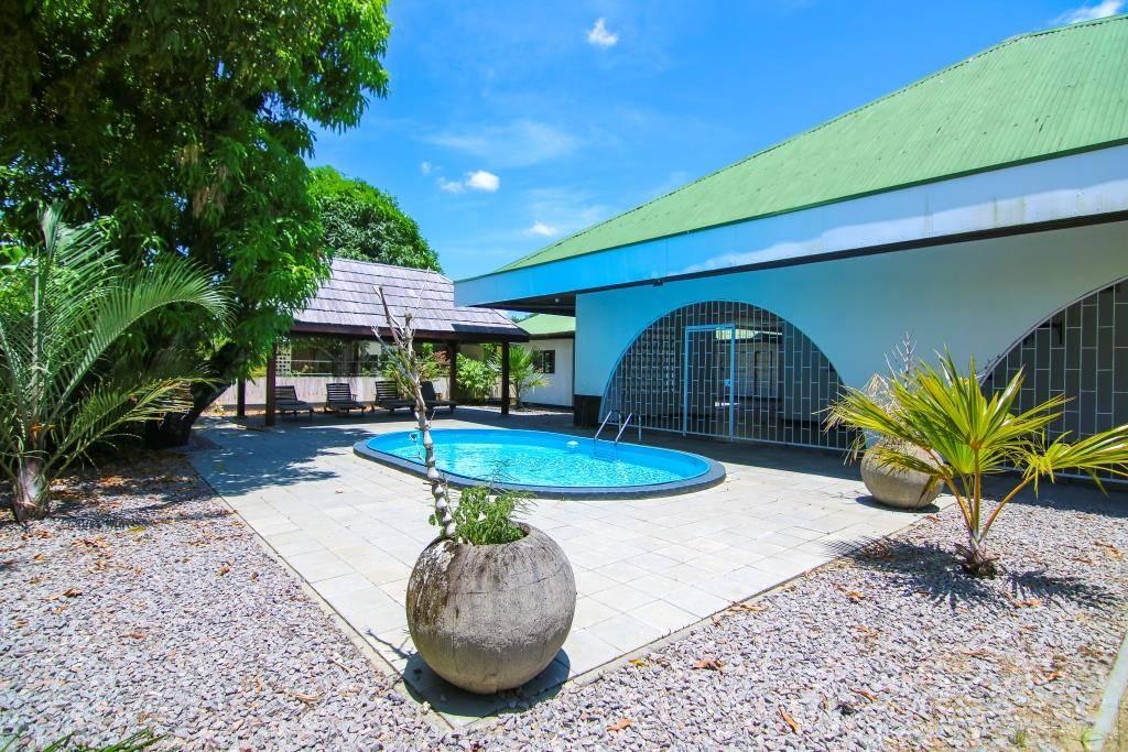 Van Drimmelenlaan 20 - Eigentijdse speelse woning in goede buurt te Uitvlugt - Surgoed Makelaardij NV - Paramaribo, Suriname