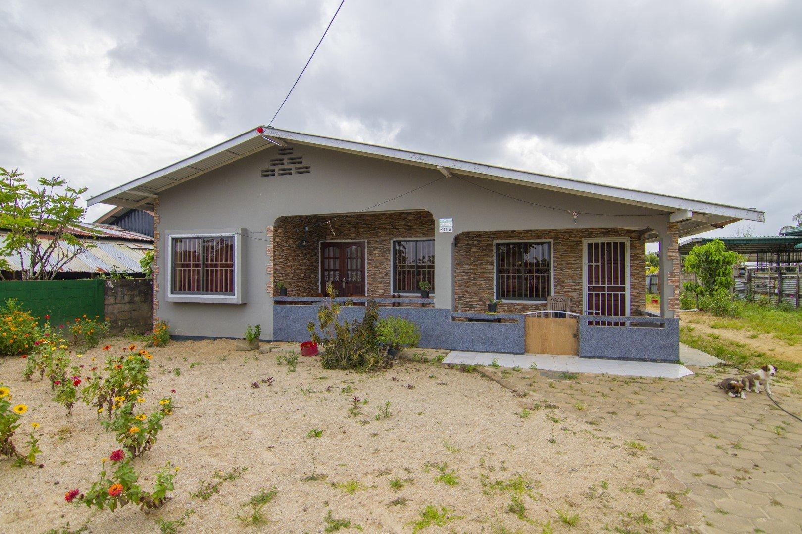 Chandiesawweg 331a - Landelijk wonen in het bananen district Saramacca te Jarikaba? - Surgoed Makelaardij NV - Paramaribo, Suriname