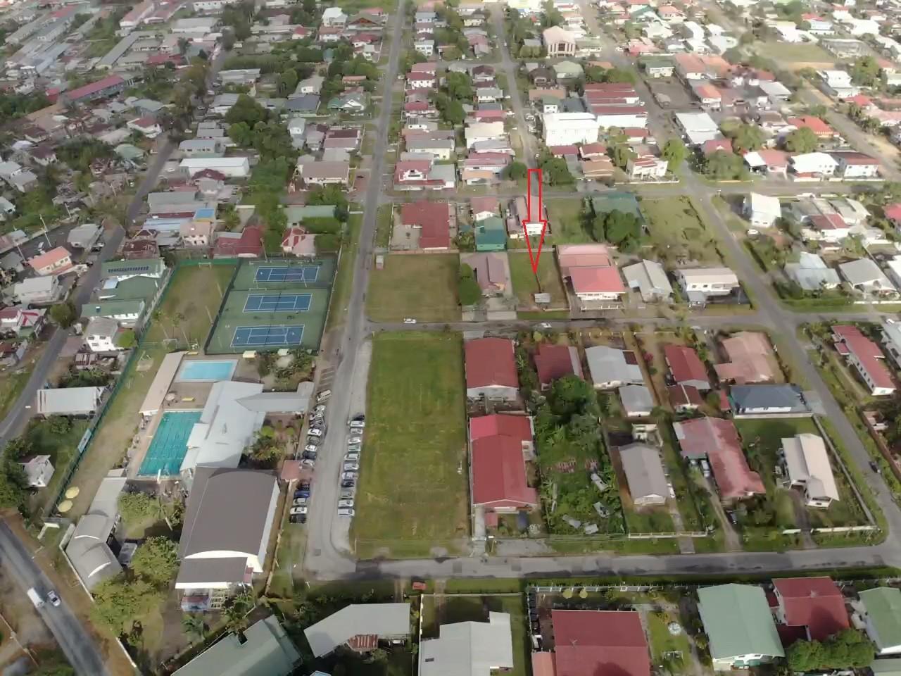 Johannes Kingstraat - Terrein op nog geen 50 meter van Club Dolfijn - Surgoed Makelaardij NV - Paramaribo, Suriname