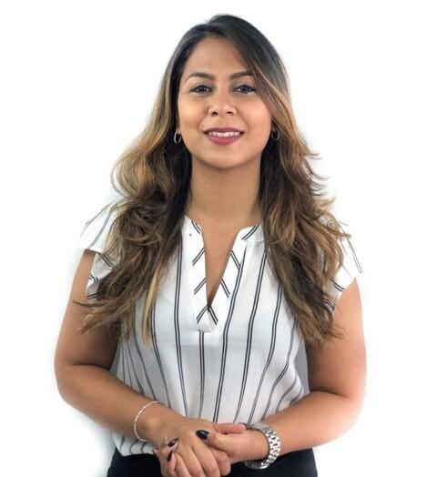 Sandra Slijngard - Makelaar - Surgoed Makelaardij NV Paramaribo Suriname