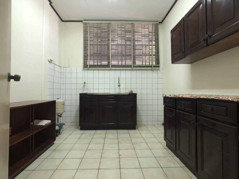 Prins Hendrikstraat 6 Centrum Paramaribo Surgoed Makelaardij NV Huurpand H0321B6 14 - Prins Hendrikstraat 6