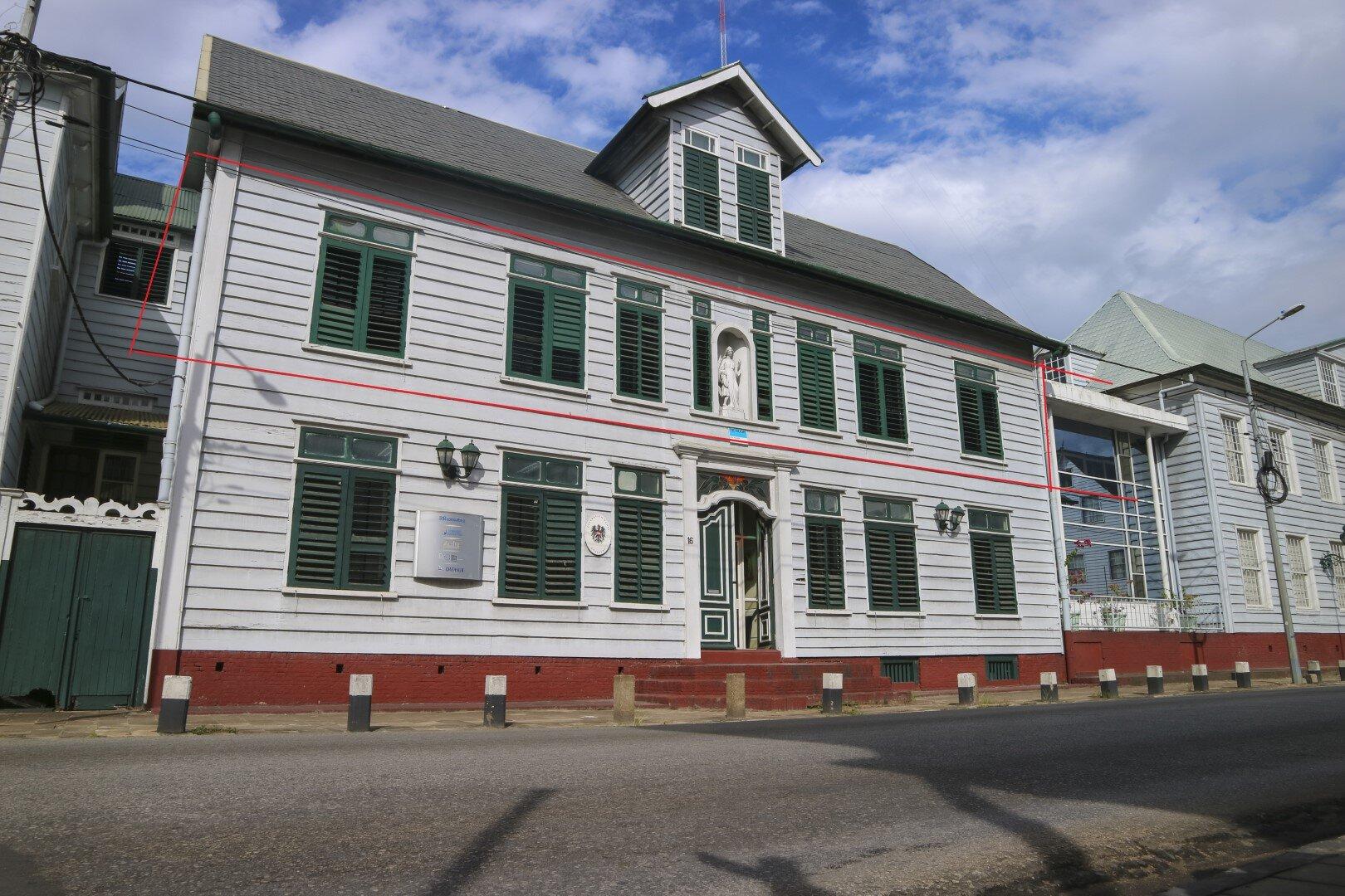 Henck Arronstraat 16 - Prachtige kantoorvleugel gelegen op toplocatie - Surgoed Makelaardij NV - Paramaribo, Suriname