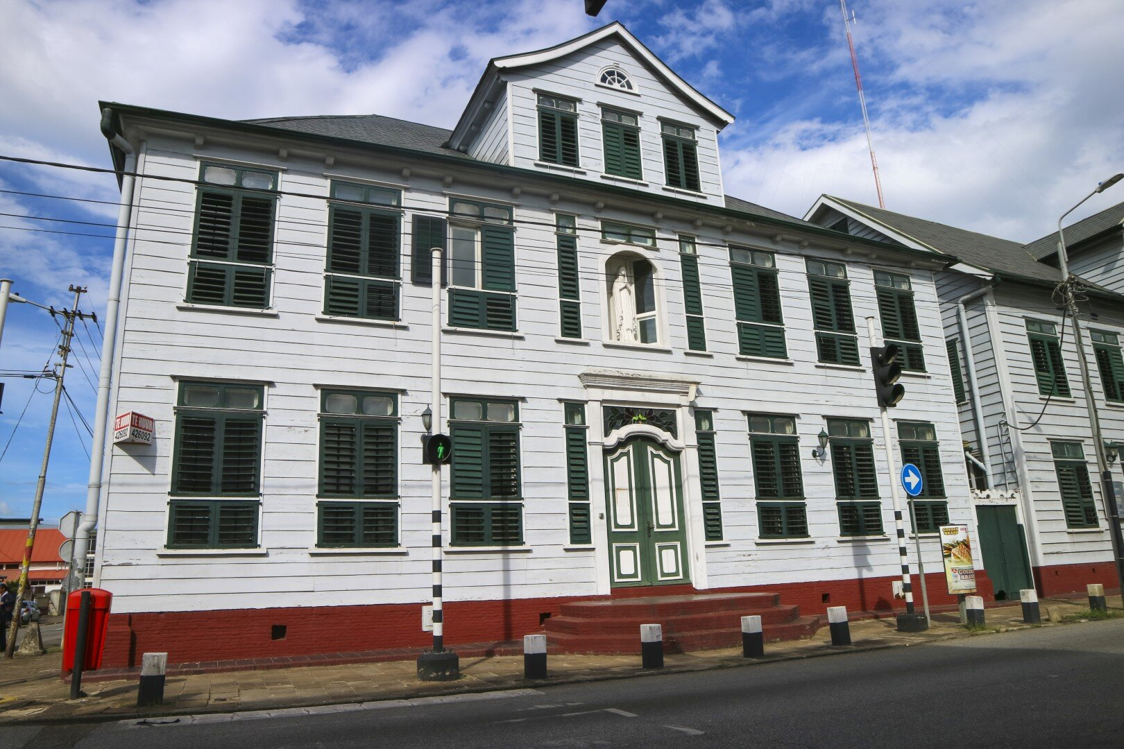 Henck Arronstraat 18 Centrum Paramaribo Surgoed Makelaardij NV Huurpand HZ0310B6 1 - Henck Arronstraat 18