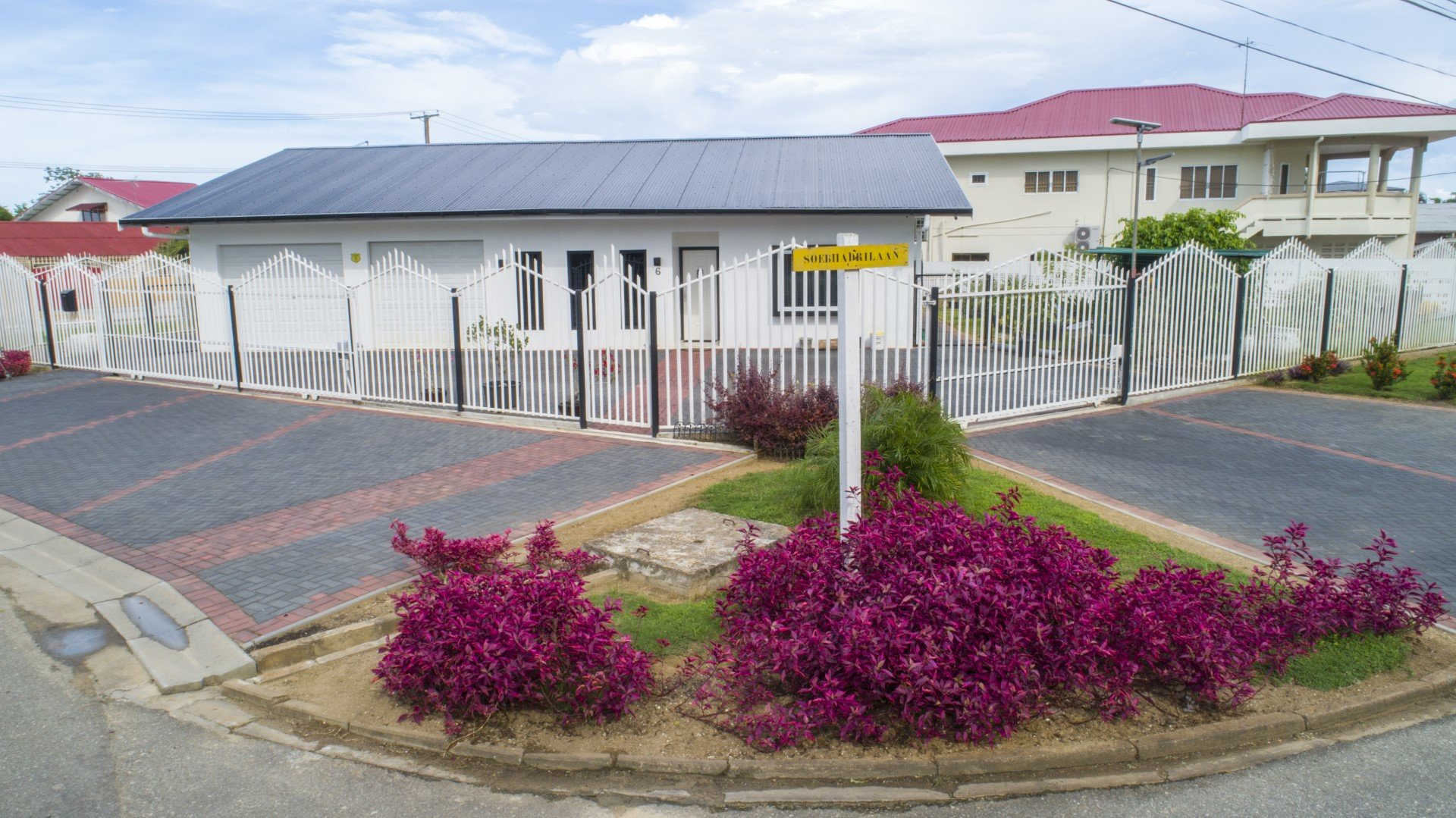 Jaimanilaan 6 - Leuke woning te Uitvlugt - Surgoed Makelaardij NV - Paramaribo, Suriname