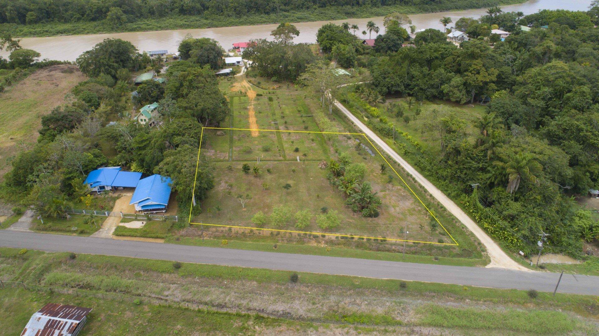 Misgunstweg 94 - Prachtige bouwkavel gelegen langs de weg naar Misgunst te Saramacca, volop natuur! - Surgoed Makelaardij NV - Paramaribo, Suriname