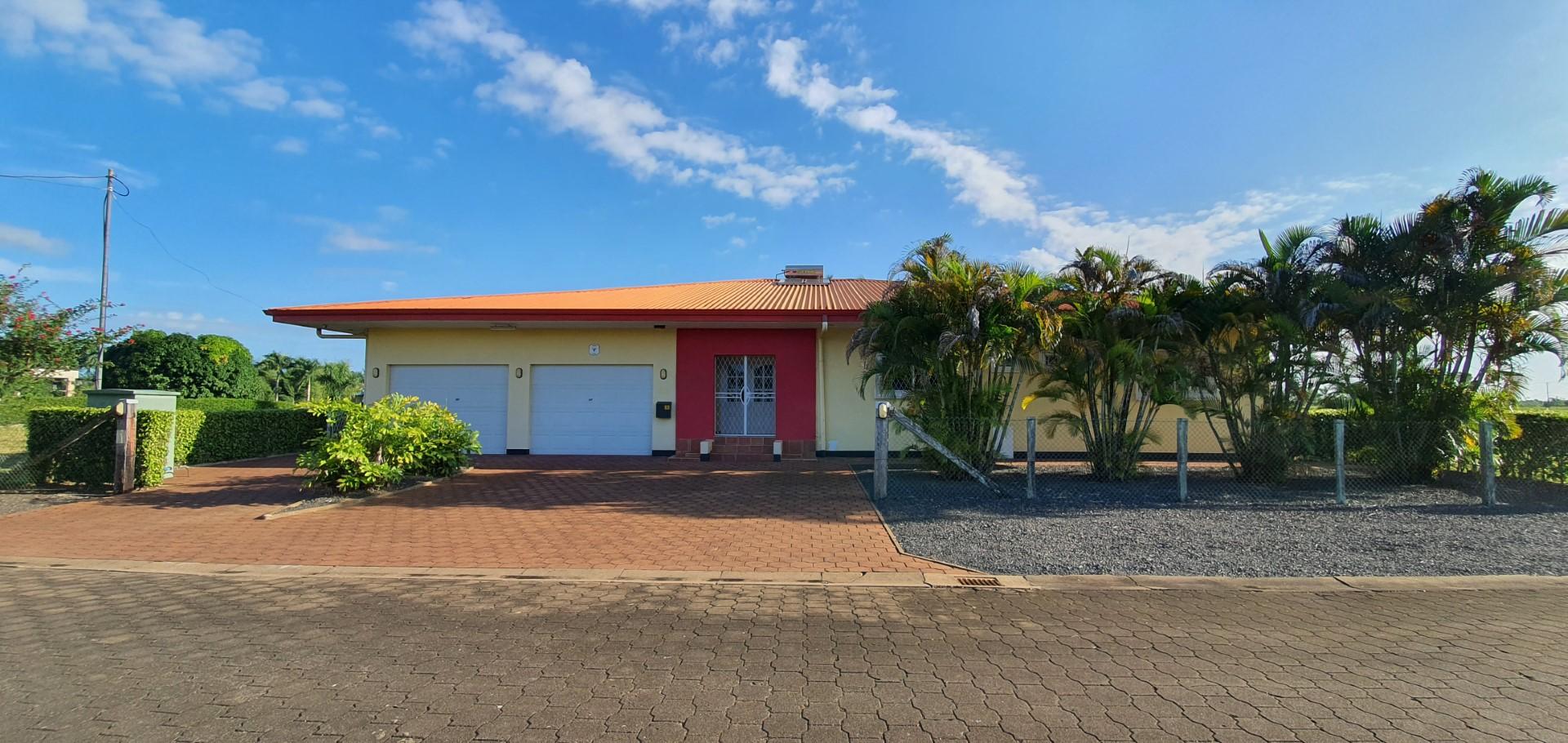 Palissadepalmlaan 11 - Water, veiligheid, rust en een prachtig uitzicht! - Surgoed Makelaardij NV - Paramaribo, Suriname