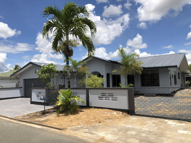 Wonglaan 17 - Een pas gerenoveerde woning om u echt in thuis te voelen, voorzien van alle gemakken - Surgoed Makelaardij NV - Paramaribo, Suriname