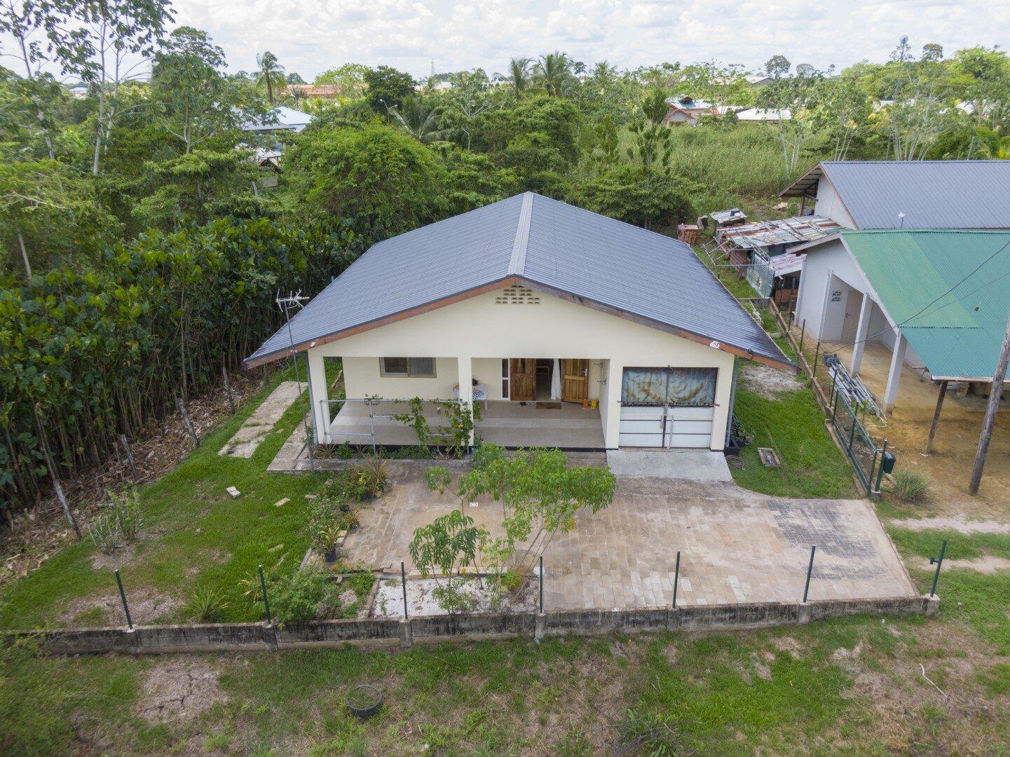 Agstantilaan 24b - Houttuin - Suriname - Surgoed Makelaardij NV