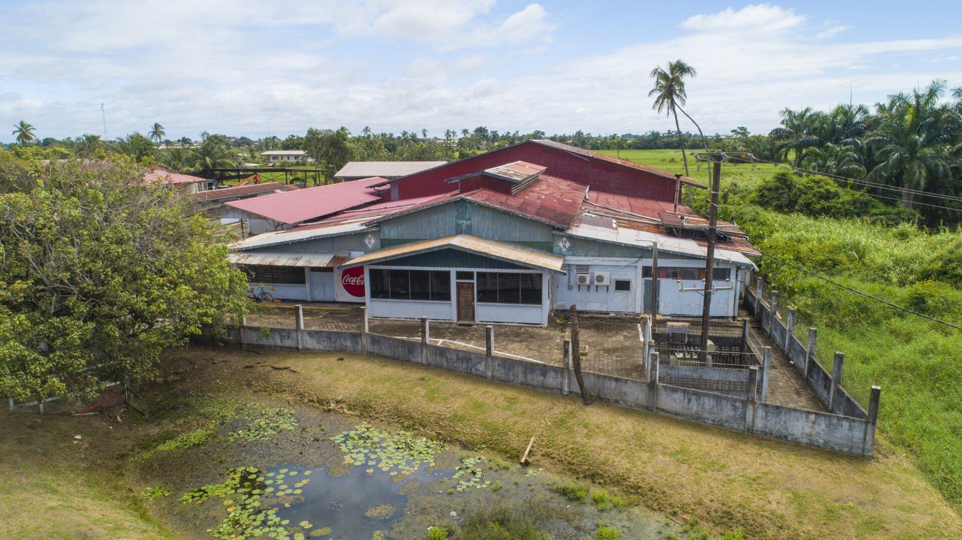 G.G. Maynardstraat, Nickerie - Kantoor- en productieruimte voor zakelijke doeleinden! - Surgoed Makelaardij NV - Paramaribo, Suriname