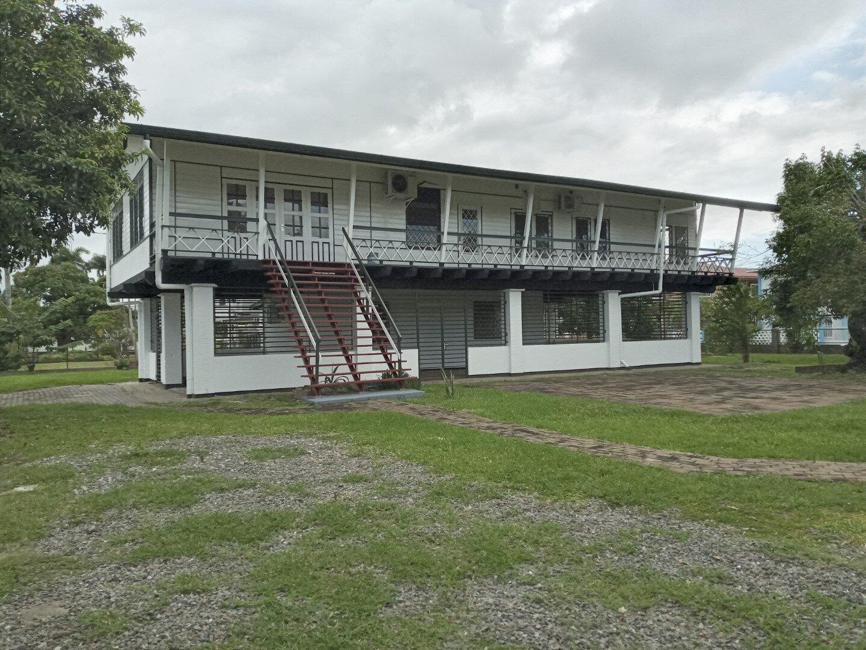 Aukalaan 1 Hk Via Bellalaan - Geschikt als woonhuis of bedrijfspand - Surgoed Makelaardij NV - Paramaribo, Suriname